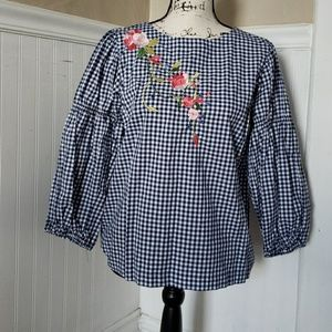 Cupio Gingham embroidered blouse